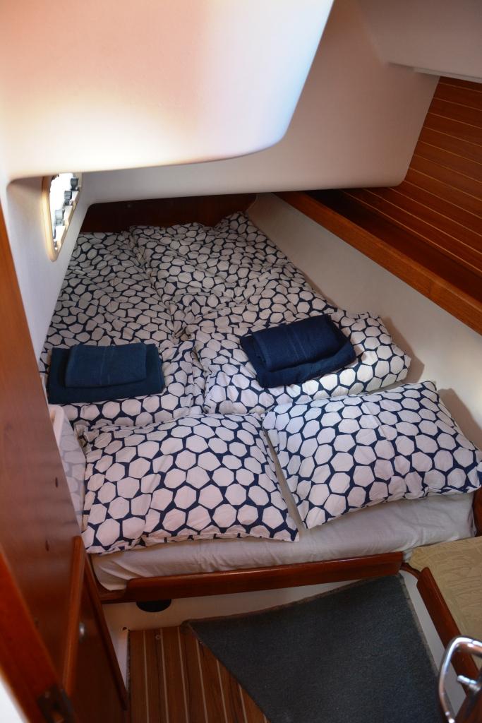elan-38-aft-cabin2