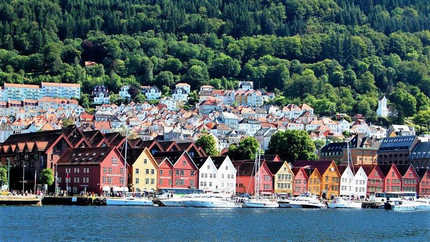 Вид на Берген с яхты. Норвегия